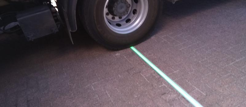 Led lichtlijn veilig verkeer